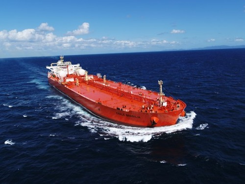 サムスン重工業が建造して今年引き渡したLNG燃料推進原油運搬船 [写真 サムスン重工業]
