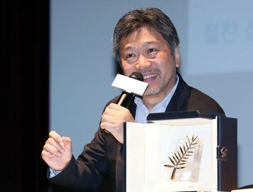 第24回釜山国際映画祭の今年のアジア映画人賞に選ばれた是枝裕和監督。[写真 韓国ニッカンスポーツ]