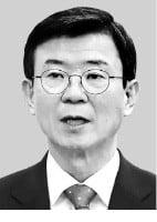 海洋水産部の文成赫(ムン・ソンヒョク)長官