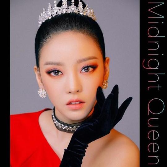 歌手ク・ハラのニューシングル『MidnightQueen』コンセプト写真[写真 インスタグラム]