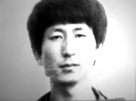 先月30日にJTBCが報道した、服役者身分カードのイ・チュンジェ容疑者の写真 [写真 JTBC キャプチャー]
