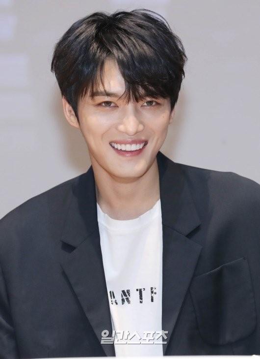 歌手兼俳優キム・ジェジュン
