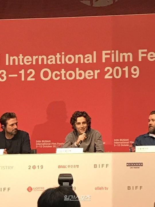 第24回釜山国際映画祭に参加した米俳優のティモシー・シャラメ。