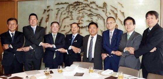 韓日議員連盟昼食懇談会が5月20日、ソウル小公洞(ソゴンドン)のロッテホテルで開かれた。