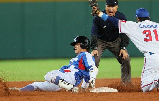18日、台中インターコンチネンタル球場で行われた韓国-台湾のスーパーラウンド試合。[写真 アジア野球連盟]