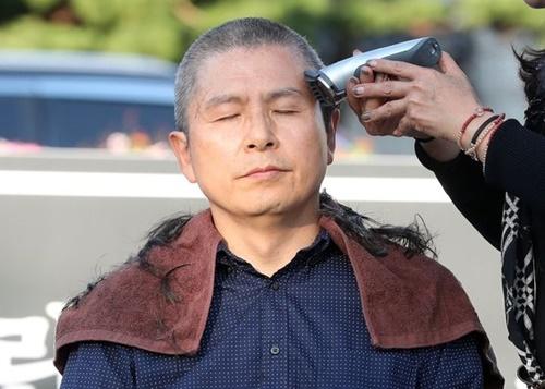 自由韓国党の黄教安代表。ビョン・ソング記者