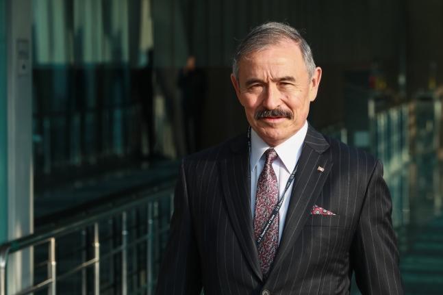 ハリー・ハリス駐韓米国大使。キム・サンソン記者