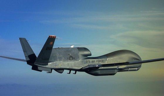 米国空軍が運用する代表的な無人偵察機「グローバルホーク」RQ-4。[写真 米空軍提供]