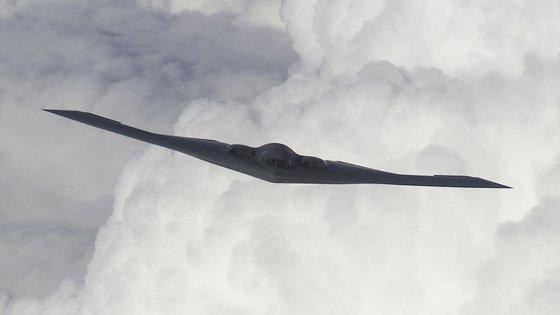 米国空軍の戦略ステルス爆撃機B-2。韓半島の危機が高まった2017年にこの爆撃機が韓国に非公開で2度ほど来ていたという。[写真 米空軍]