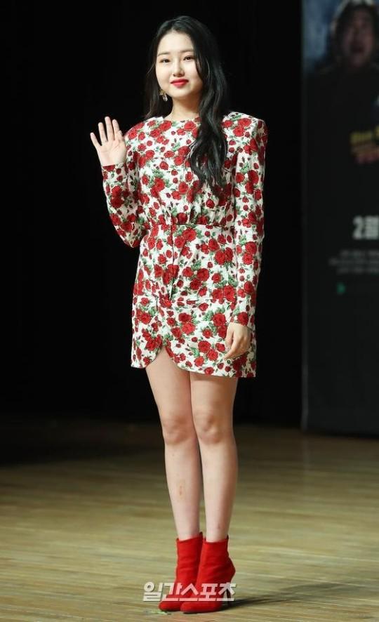 歌手クリシャ・チュが15日、ウェブドラマ『幽霊と生きる』の製作発表会に参加した。パク・セワンギ者