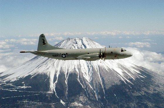 米海軍所属の対潜哨戒機「P-3C」[写真 米海軍ホームページ]