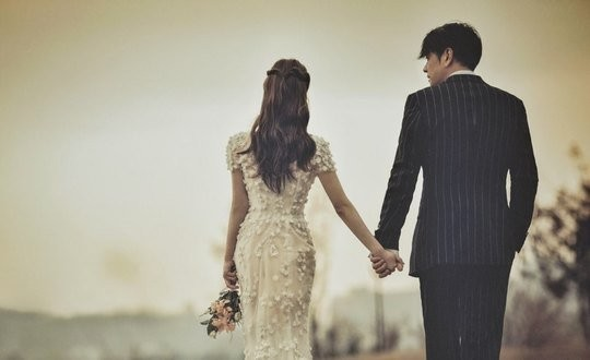 2月に結婚する俳優リュ・シウォンのウェディンググラビア[写真 アルスカンパニー]