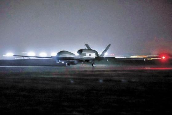 北朝鮮と中国を監視する最新無人偵察機がグアムに配備された。[写真 米海軍第7艦隊司令部ホームページ]