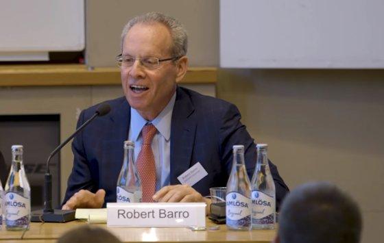 ハーバード大経済学科のロバート・バロー教授