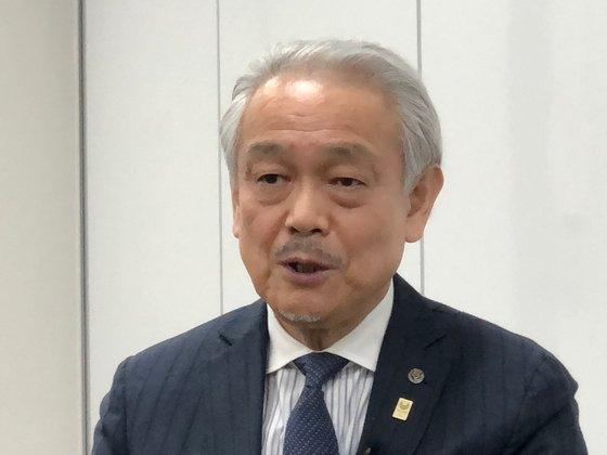 16日、中央日報のインタビューに応じる東京都医師会の尾崎治夫会長。ユン・ソルヨン特派員