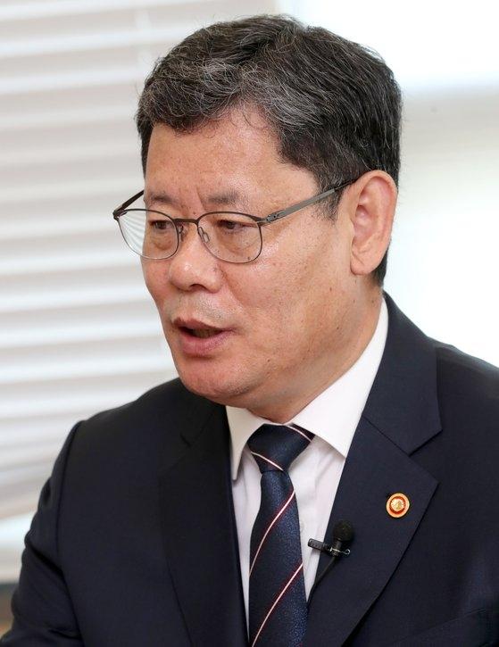 韓国の金錬鐵統一部長官が26日、中央日報で開かれた韓中ビジョンフォーラムに出席して「韓国政府は北朝鮮に特異動向がないと自信を持って言えるほど情報力を備えている」と明らかにした。チェ・チョンドン記者