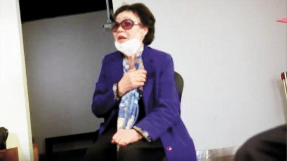 慰安婦被害者の李容洙さんは4月22日、大邱市のヒウム日本軍慰安婦歴史館で尹美香氏(「共に市民党」比例代表当選人)の国会進出に対して反対立場を明らかにした。[写真 記者会見出席者]