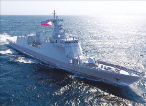 フィリピンに向けて出向した2600トン級最新鋭護衛艦「ホセ・リサール」。