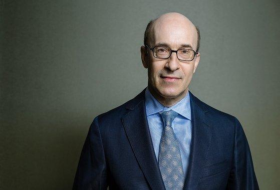 ハーバード大学経済学科のケネス・ロゴフ教授。金融危機のパターンを取り上げた『国家は破綻する』などを著した。
