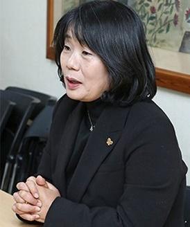 与党「共に民主党」当選人の尹美香(ユン・ミヒャン)氏