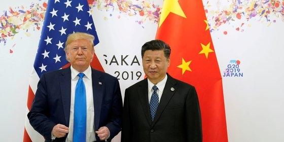 トランプ米大統領と習近平中国国家主席。写真は昨年6月に大阪で開かれた主要20カ国(G20)会議の時の様子。