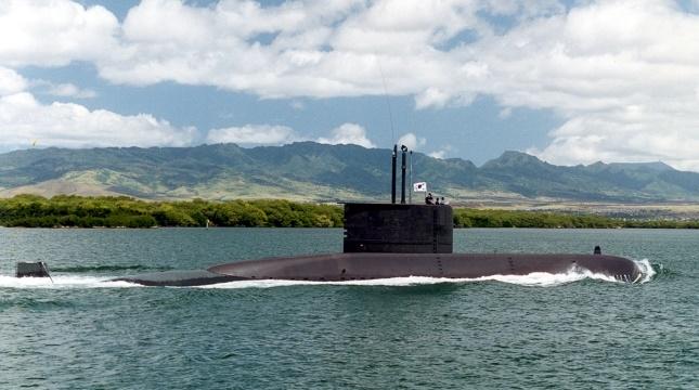 大韓民国海軍の潜水艦で初めて無事故安全航海30万マイルを達成した張保皐(チャンポゴ、1200トン)。[写真 海軍提供]