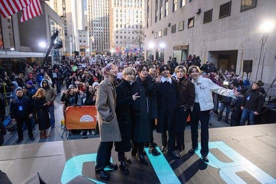 K-POPの海外ファンはK-POPの映像を用いてオンラインで米国の人種差別撤廃デモを主導した。人種差別反対の声明を出したNCT。[中央フォト]