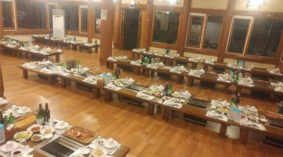 韓国でも飲食店の予約を無断でキャンセルする客が多く、経営者が苦痛を訴える事例があった。写真はオンラインコミュニティに登場した「ノーショー」状態の飲食店。[中央フォト]