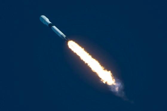 韓国軍初の通信衛星「アナシス2号」が21日(韓国時間)、米ケープカナベラル空軍基地ケネディ宇宙センターで打ち上げられた。[防衛事業庁 提供]
