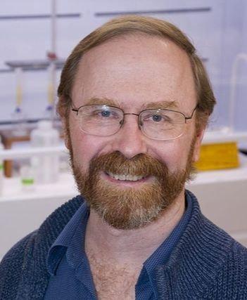米ウッズホール海洋研究所のケン・ブセラー博士