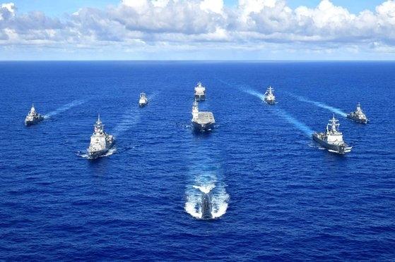 韓国海軍、米国海軍、日本海上自衛隊、オーストラリア海軍の艦艇と潜水艦が12日(現地時間)から2日間「パシフィックバンガード」訓練をすると、米第7艦隊が11日発表した。[写真 米第7艦隊]