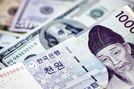18日、ドルの対ウォン相場が急落した。