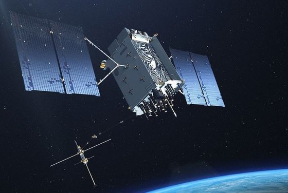 全世界で作戦を展開する米軍には衛星利用測位システム(GPS)衛星などの宇宙資産は必須。[米空軍]
