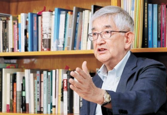 高麗大政治外交学科の崔章集(チェ・ジャンジブ)名誉教授