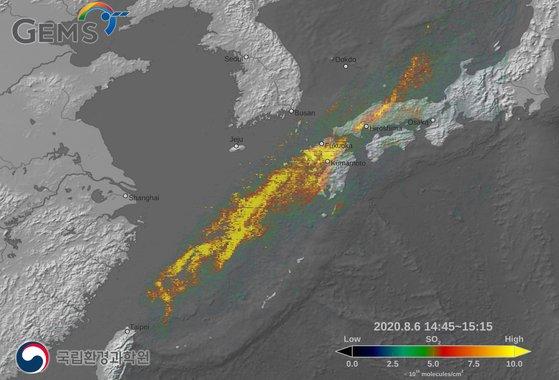 韓国衛星「千里眼」が観測した西之島の火山爆発ガスの移動の様子[写真 韓国科学技術情報通信部・環境部・海洋水産部]
