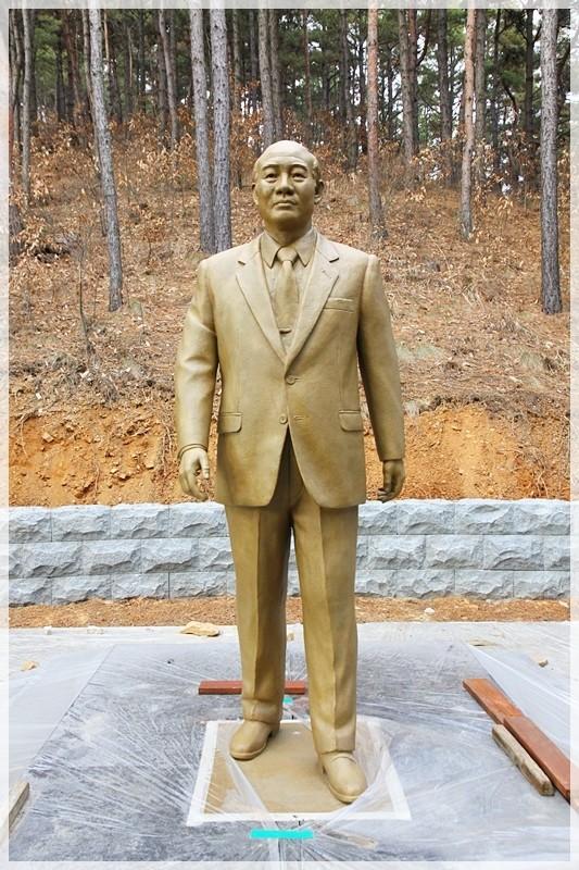 全斗煥元大統領の銅像