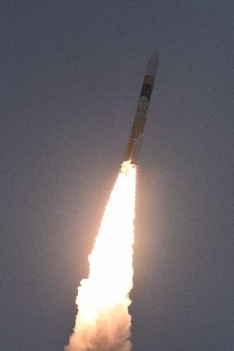打ち上がったH2Aロケット [写真  三菱重工業]