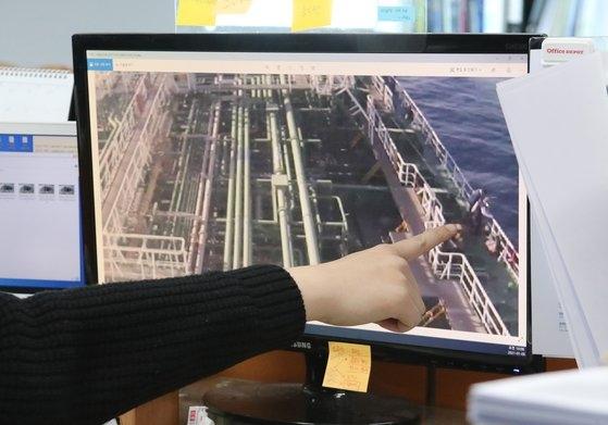 4日、イラン革命守備隊に韓国船籍「韓国ケミ」号が拿捕された。イランは海洋汚染を理由に船舶を抑留したと明らかにしたが、船社側は海洋汚染はなかったと主張している。ソン・ボングン記者