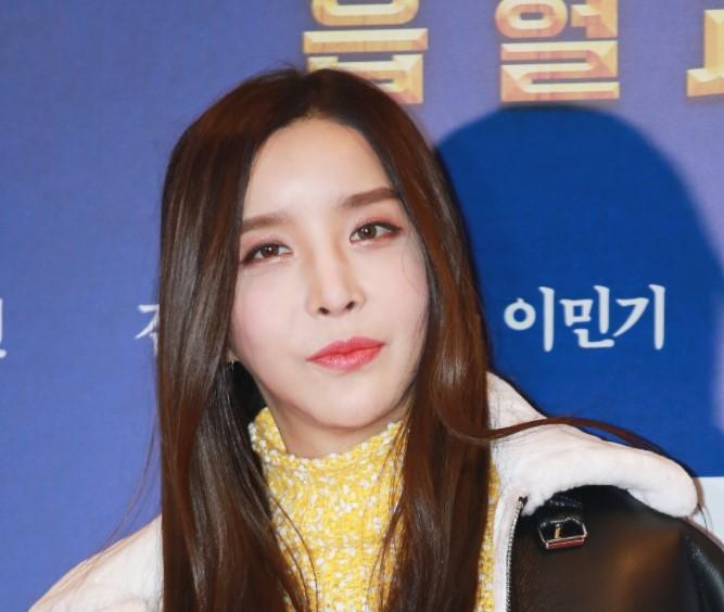韓国歌手ハ・リス