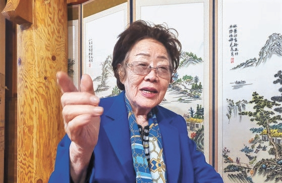 慰安婦被害者の李容洙(イ・ヨンス)さん