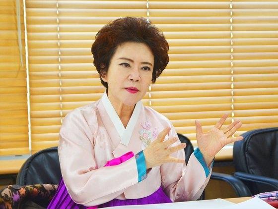 キムチ名人第1号である漢城食品のキム・スンジャ代表が24日に京畿道富川の本社で中央日報とインタビューしている。[写真 ハンソン食品]