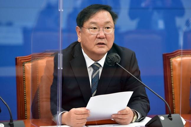 金太年(キム・テニョン)民主党代表職務代行兼院内代表