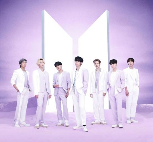 日本でベストアルバム『BTS,THE BEST』を発表するBTS。[写真 BIGHIT MUSIC]