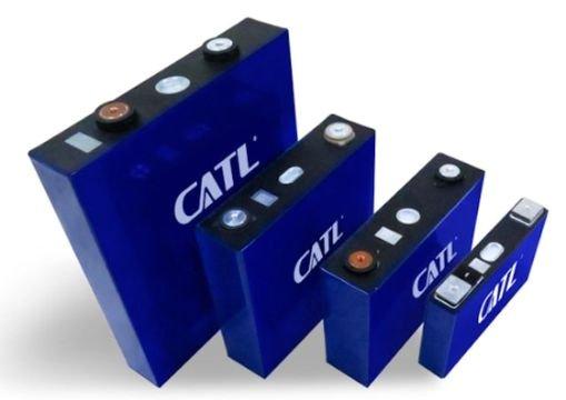 中国の電気自動車バッテリーメーカーCATLの角形バッテリー。[写真 CATLホームページ]