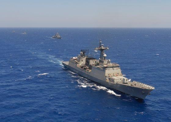 清海部隊第34陣としてアフリカのアデン湾に派遣された韓国海軍の駆逐艦「文武大王」。[写真 韓国海軍]