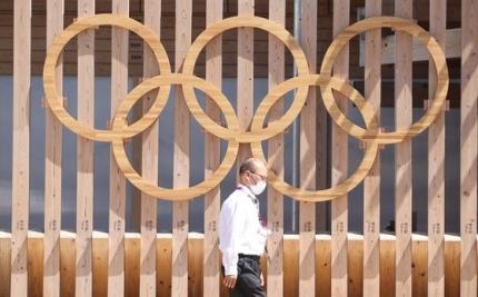 2020東京五輪の開幕を1週間後に控えた16日の選手村入口。 東京=オリンピック共同取材団