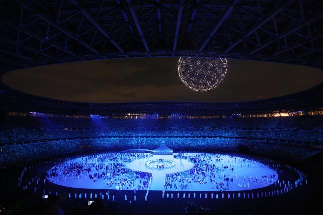 23日に五輪スタジアム(新国立競技場)で開催された2020東京五輪の開会式。 東京=五輪写真共同取材団B