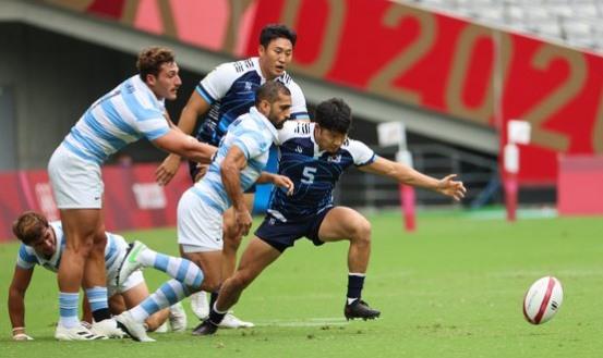 27日に東京スタジアムで行われた東京五輪7人制ラグビーグループリーグA組予選で、アルゼンチン(7位)に0-56(0-28、0-28)で敗れた韓国代表。 東京=五輪写真共同取材団