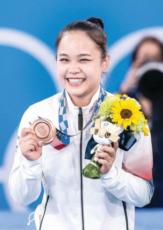 韓国女子体操の呂書晶が銅メダル獲得