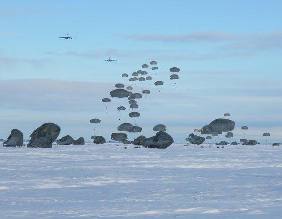 2016年にアラスカで空輸訓練をする米陸軍 [米陸軍]